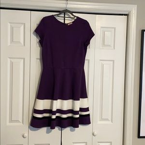 🦞NWT. Purple and white short sleeve dress
